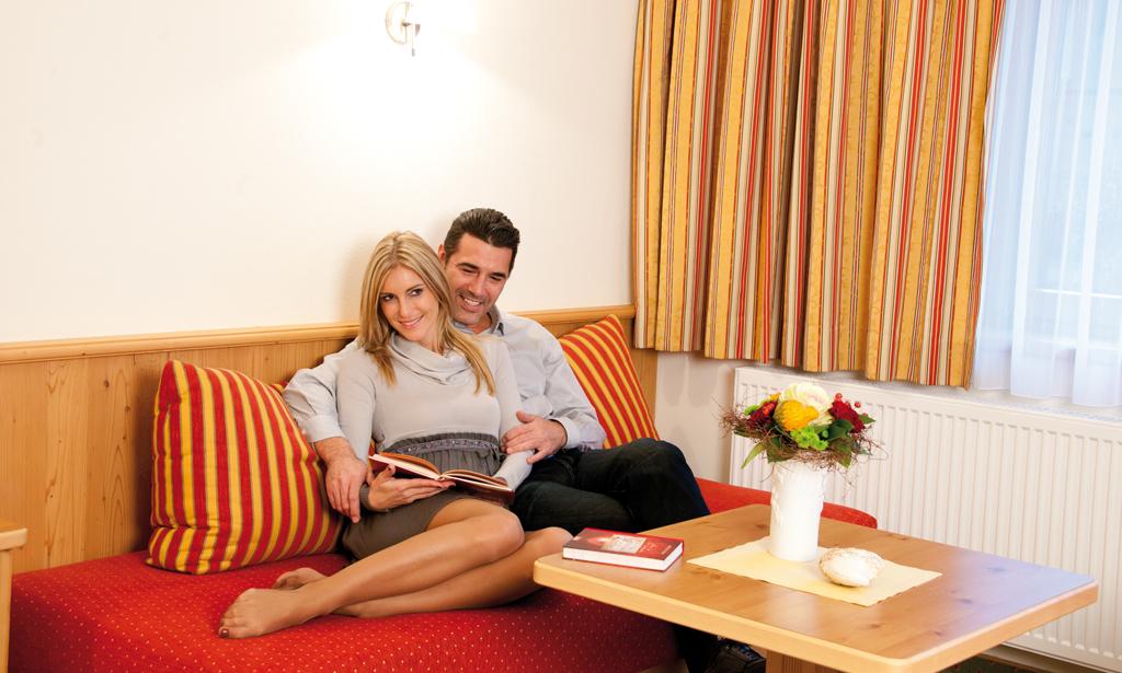 DZ-Fliege-Couch-Forelle-Tux.jpg