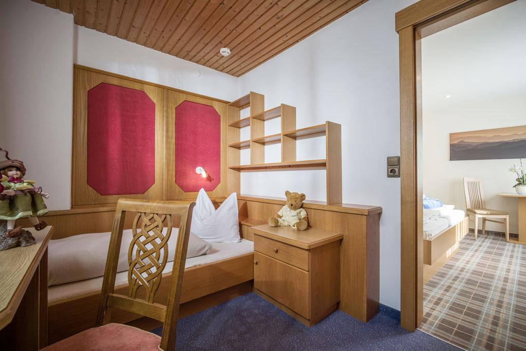 Hotel_Forelle_Tux_Vorderlanersbach_296_Ferienwohnunf_Regenbogenforelle_Einbettzimmer.jpg