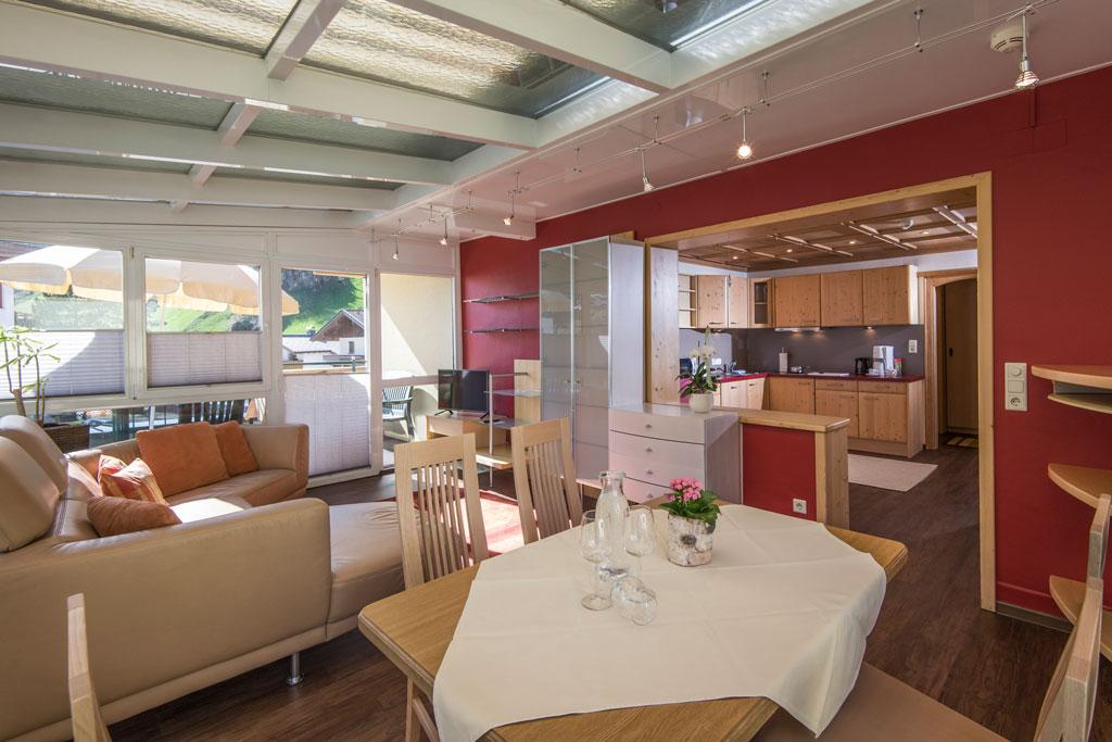 Hotel_Forelle_Tux_Vorderlanersbach_296_Ferienwohnunf_Regenbogenforelle_Wohnzimmer_1.jpg